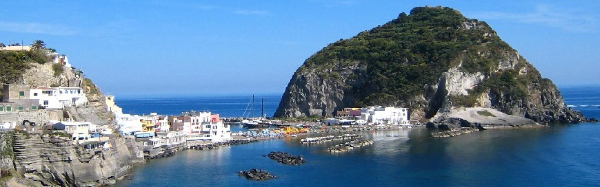 cropped-Ischia-SantAngelo11.jpg